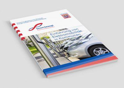 Broschüre E-Mobilität in Kommunen
