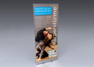 Rollup-Display Körperstürme